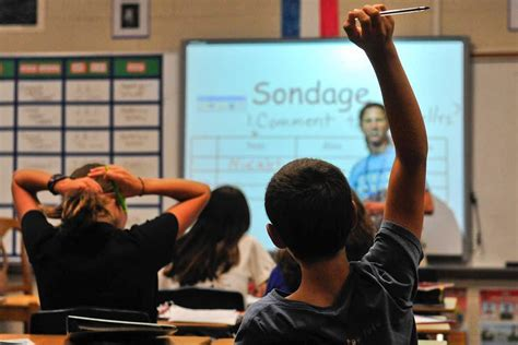 Clarke middle schoolers speaking French, Spanish this year
