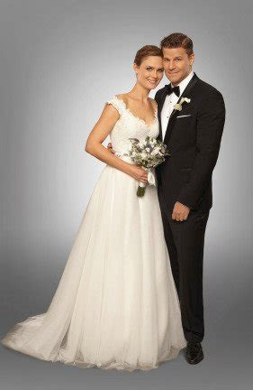 'Bones' Stars Approach TV Wedding with No Cold Metatarsals