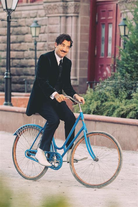 How to Bike to Work Without Ruining Your Suit | GQ