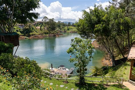Guatapé, Colombia - exploring the lake and town