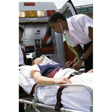 High School Preparation to Become a Paramedic | Synonym