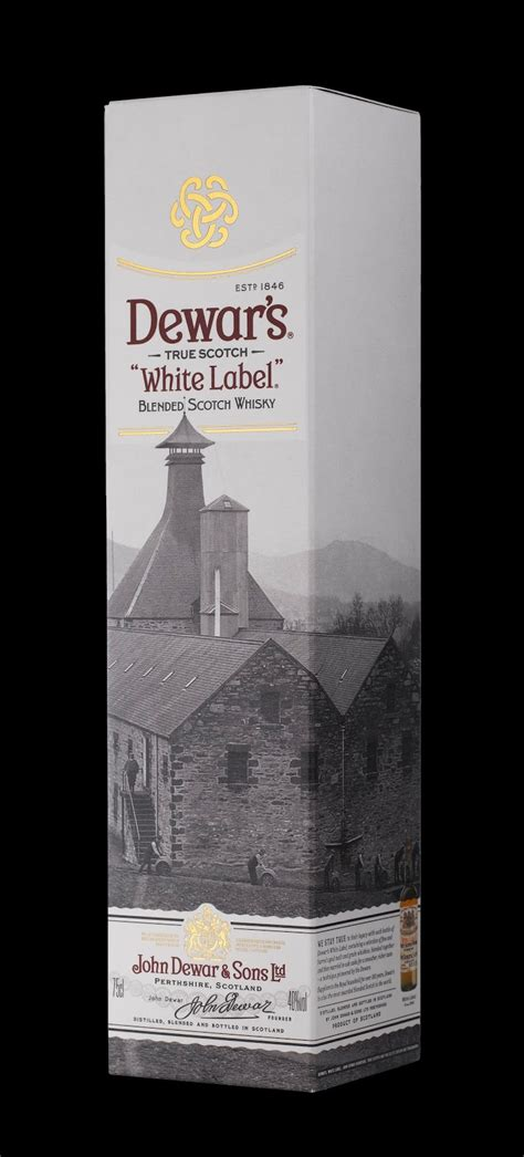 Dewar's on Packaging of the World - Creative Package