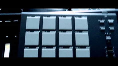 AKAI professional MPD18 compact pad controller drum