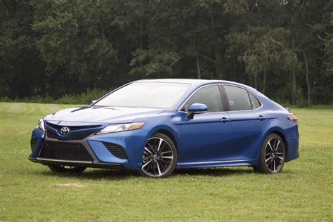 2018 Toyota Camry Test Drive Review - CarGurus