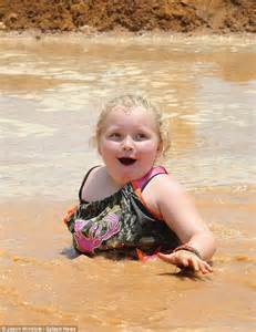 Honey Boo Boo goes for gold at Redneck Olymp-Hicks (but
