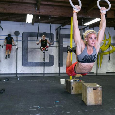 15+ Fearless Athletes to Watch for at the 2015 CrossFit