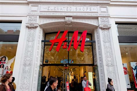 H&M Trials Rental Service, Dior Collaborates With Shawn Stussy
