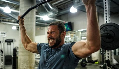 Gerard Butler & Pablo Schreiber Reveal How They Bulked Up