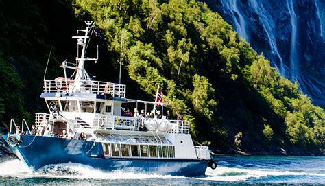 Exclusive fjord sightseeing cruises on UNESCO