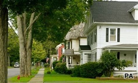 The suburban dream: Suburbs are most popular place to live